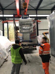 100 ton Cframe press loading